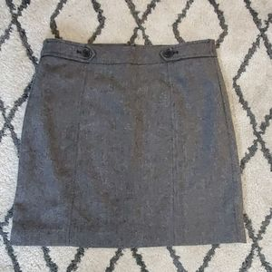 Loft skirt size 6 black small pattern Tweed lined